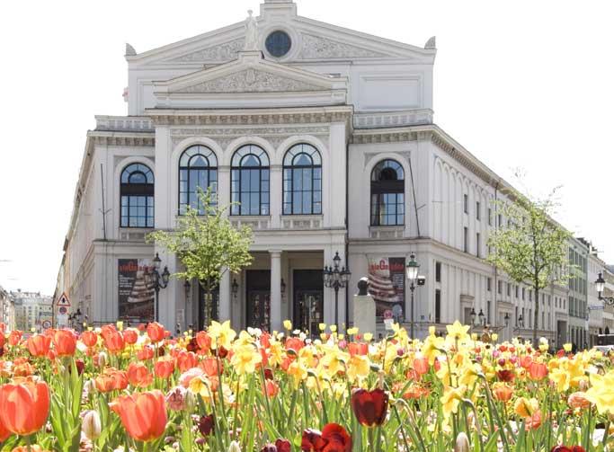"""Im Münchner Gärtnerplatztheater wurde Ganghofers """"Der Herrgottschnitzer von Ammergau"""" 1880 uraufgeführt.  © Staatstheater am Gärtnerplatz, Bernd Eberle"""