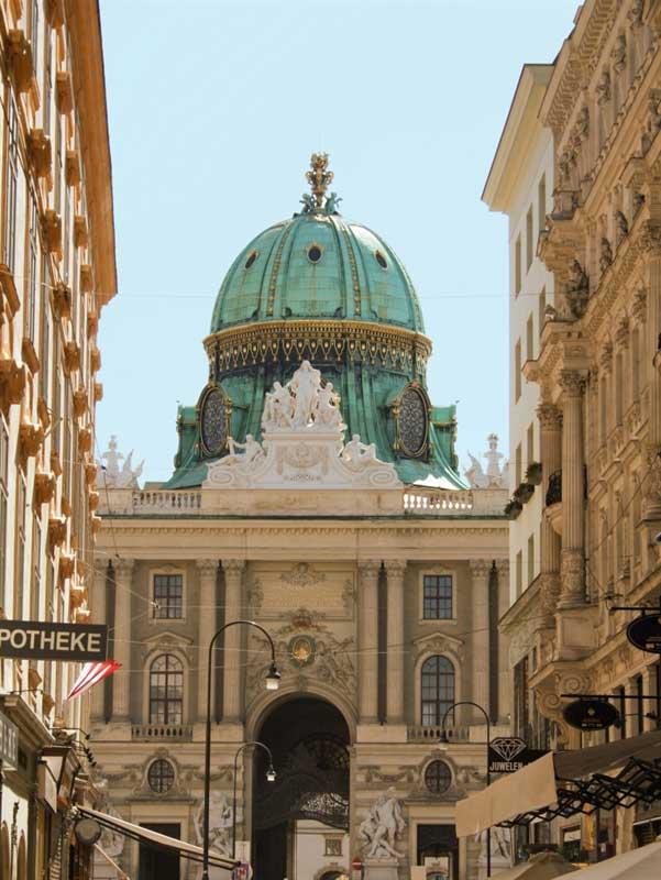 Blick auf die Wiener Hofburg.