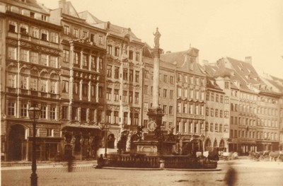 Der Münchner Marienplatz zur Zeit Ganghofers. © Monacensia, Literaturarchiv und Bibliothek München