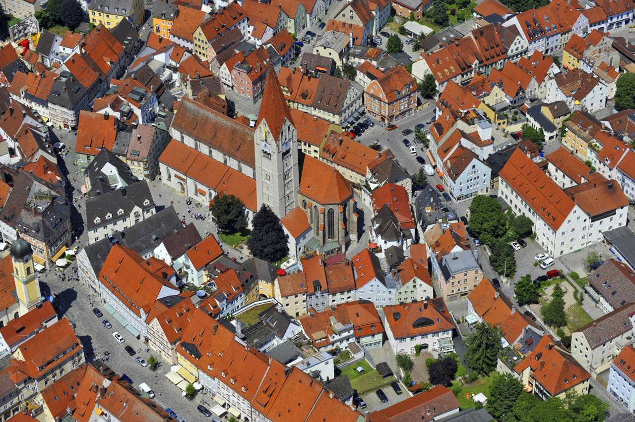 Ziel der Förderprogramme: Die malerische Kaufbeurer Altstadt soll ein attraktiver Wohnstandort bleiben. Foto: H. Langer